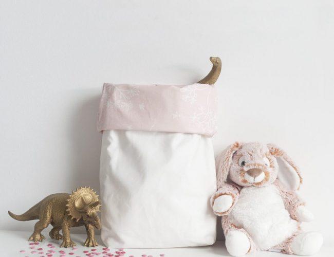 Inspiré des Paper bag, voici les paniers de rangement en coton enduit par Tea&Poppies