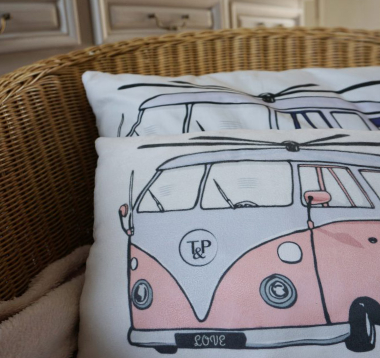 Audrey&Greg's van - combi van par Tea&Poppies