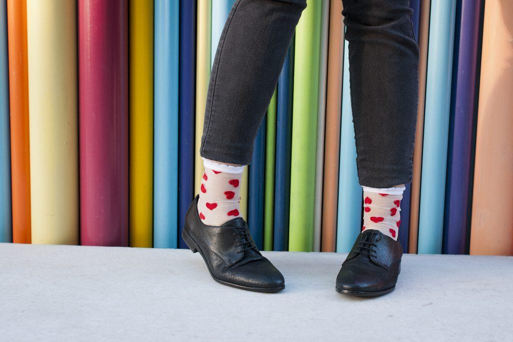 chaussettes, Léopoldine Chateau, Paris, mode, shooting, derbies, couleur, pieds, coeur