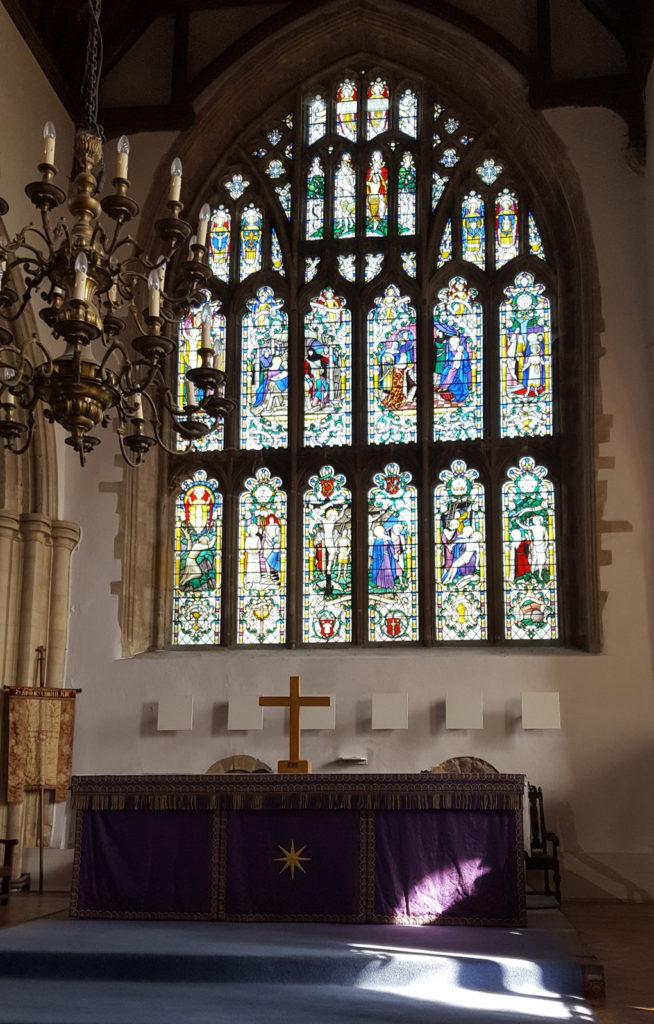 Une française à Brighton, bilan des 3 mois: Vitraux église Ste Mary à Rye