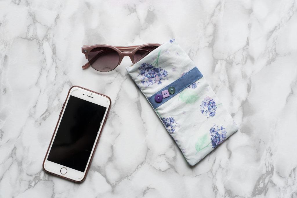 Tea and Poppies X ViviFromage collaboration de l'été, haut, short, jupe, accessoires, motif exclusif Horstensias , coquelicots et arbre de soie