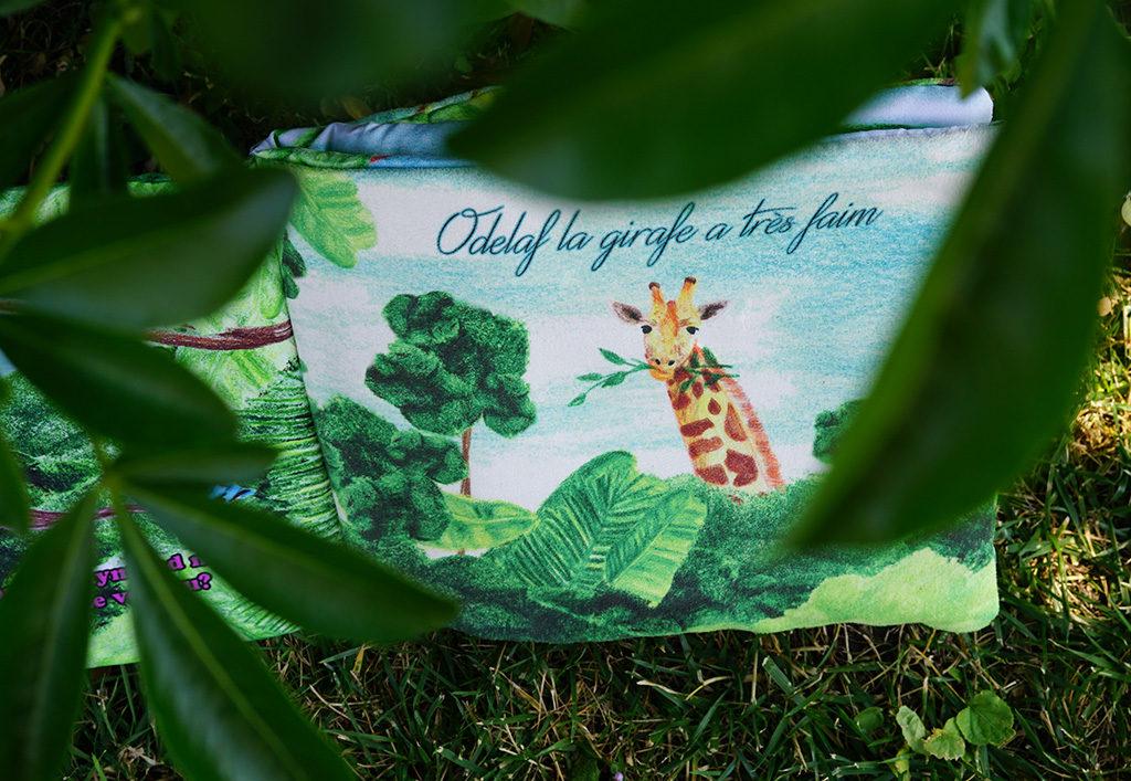 DIY créer un livre d'éveil personnalisé et personnalisable. Ici le livre d'éveil de Maélie par Tea&Poppies