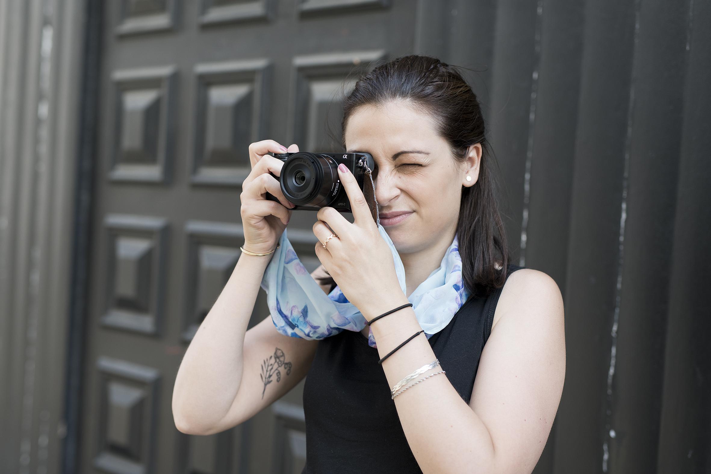 photo, femme, appareil photo, DIY, sangle pour appareil photo, foulard, fait main