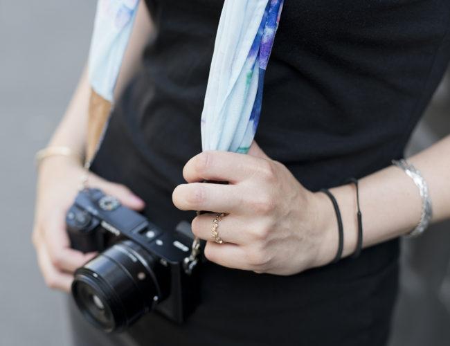 Coudre une Sangle d'appareil Photo par Tea&Poppies ! Tuto très simple pour débutantes même sans machine à coudre