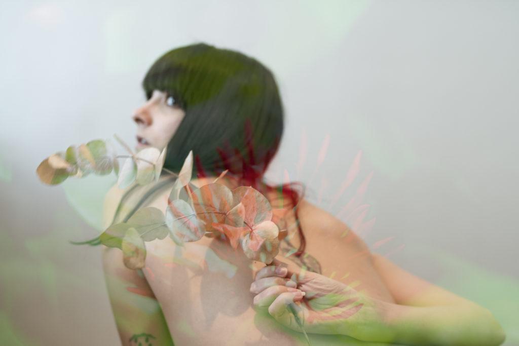 photo, femme, surimpression, fleur