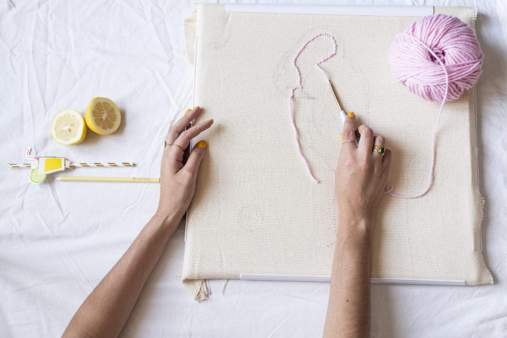 photo, Comment faire une housse de coussin en puch needle, punch needle