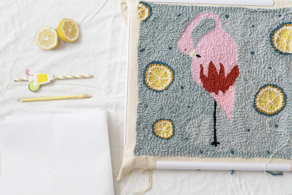 Photo, tutoriel, comment faire une housse de coussin en punch needle ?