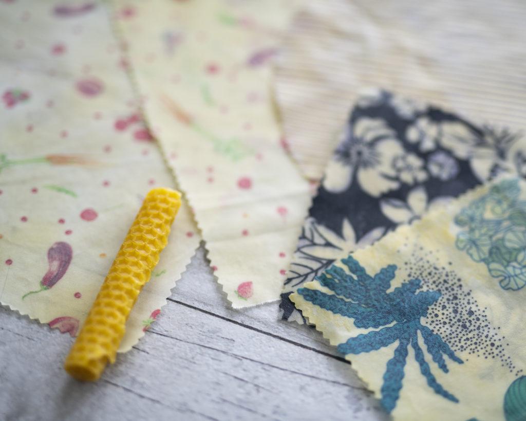 photo, DIY, bee wrap, Faire des bee wrap, rouleau de cire d'abeille, cire d'abeille, que faire avec ses chutes de tissus