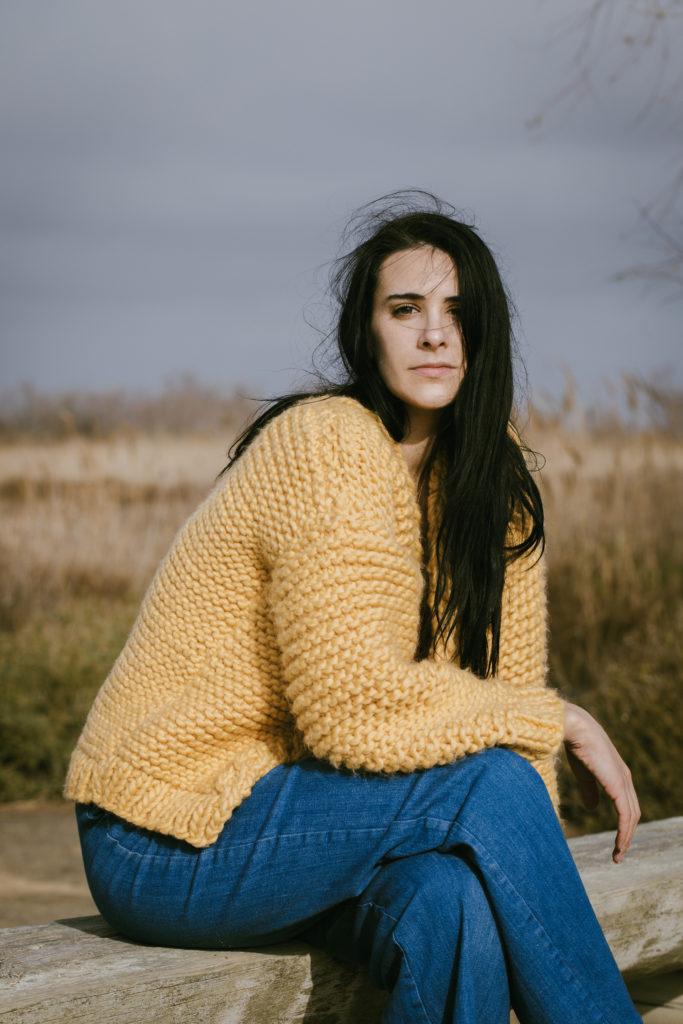 photo, Elsa Cadic photographe, gilet en laine, DIY tricot, tricot facile
